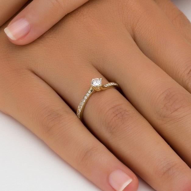 טבעת אירוסין קרלייל בזהב צהוב, 0.35 קראט