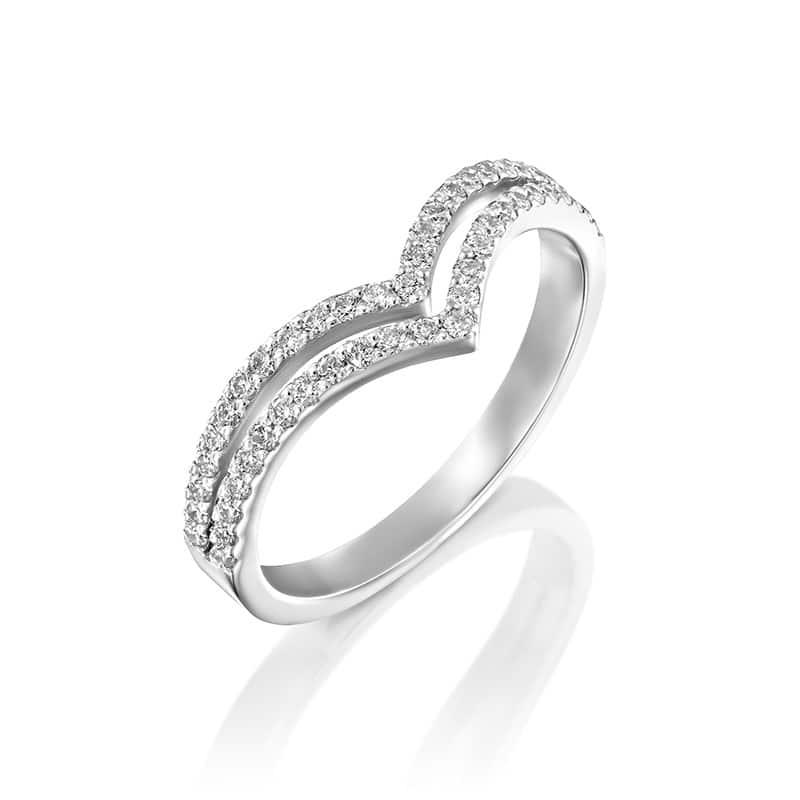 טבעת יהלומים מעוצבת בצורת  V כפולה