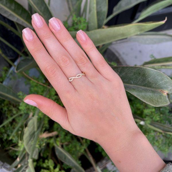 טבעת יהלומים אנה
