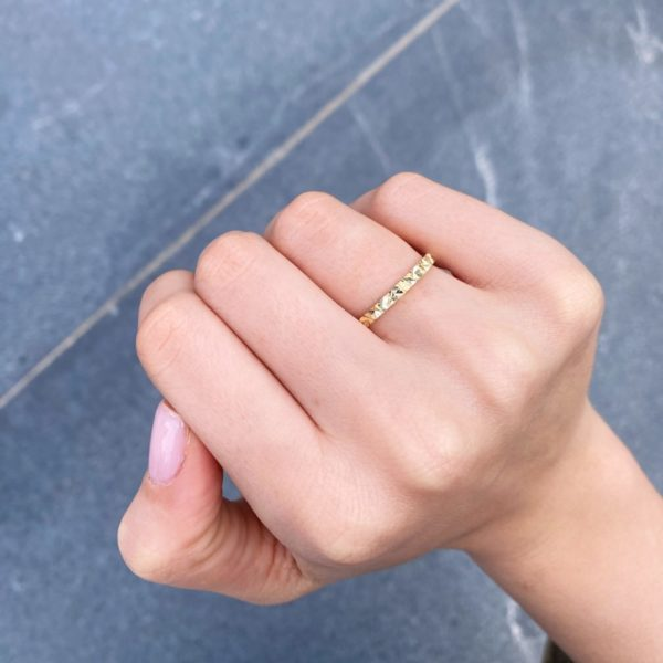 טבעת נישואין לאישה אנתונלה
