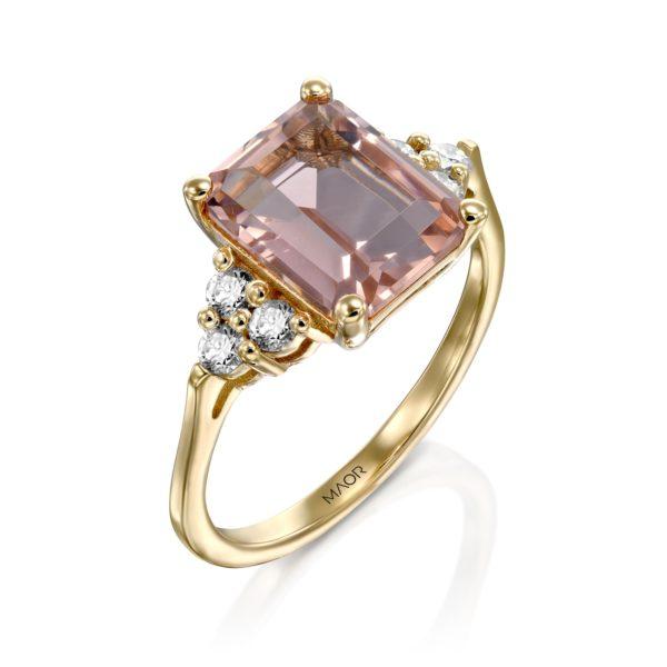 טבעת פינק מייגן משובצת אבן חן